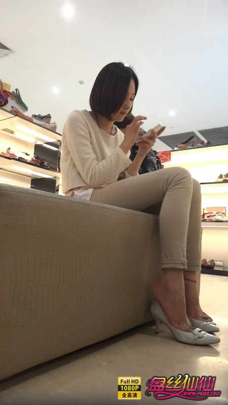 性感尖头高跟鞋美女_鞋店气质美女买鞋,好美的脚,我愿意跪下舔一辈子_盘丝仙仙 ...